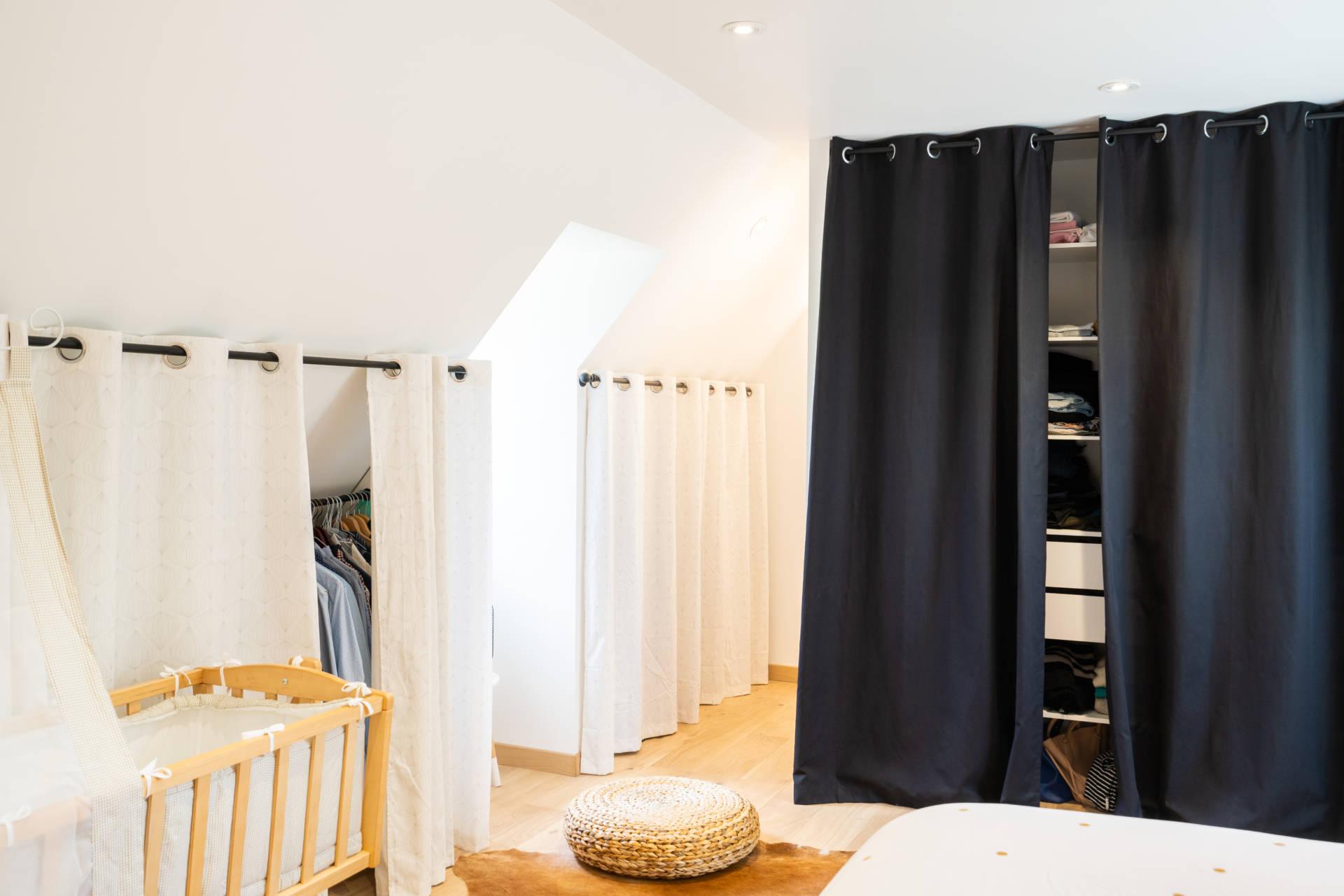 dressing suite parentale avec salle d'eau et verrière dans une longere rénovée à quimper architecte d'intérieur Bérénice alandi